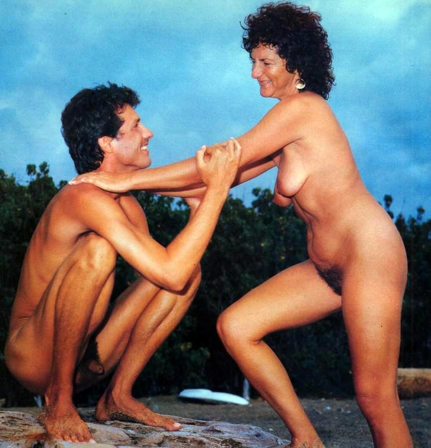 nudist mother with son