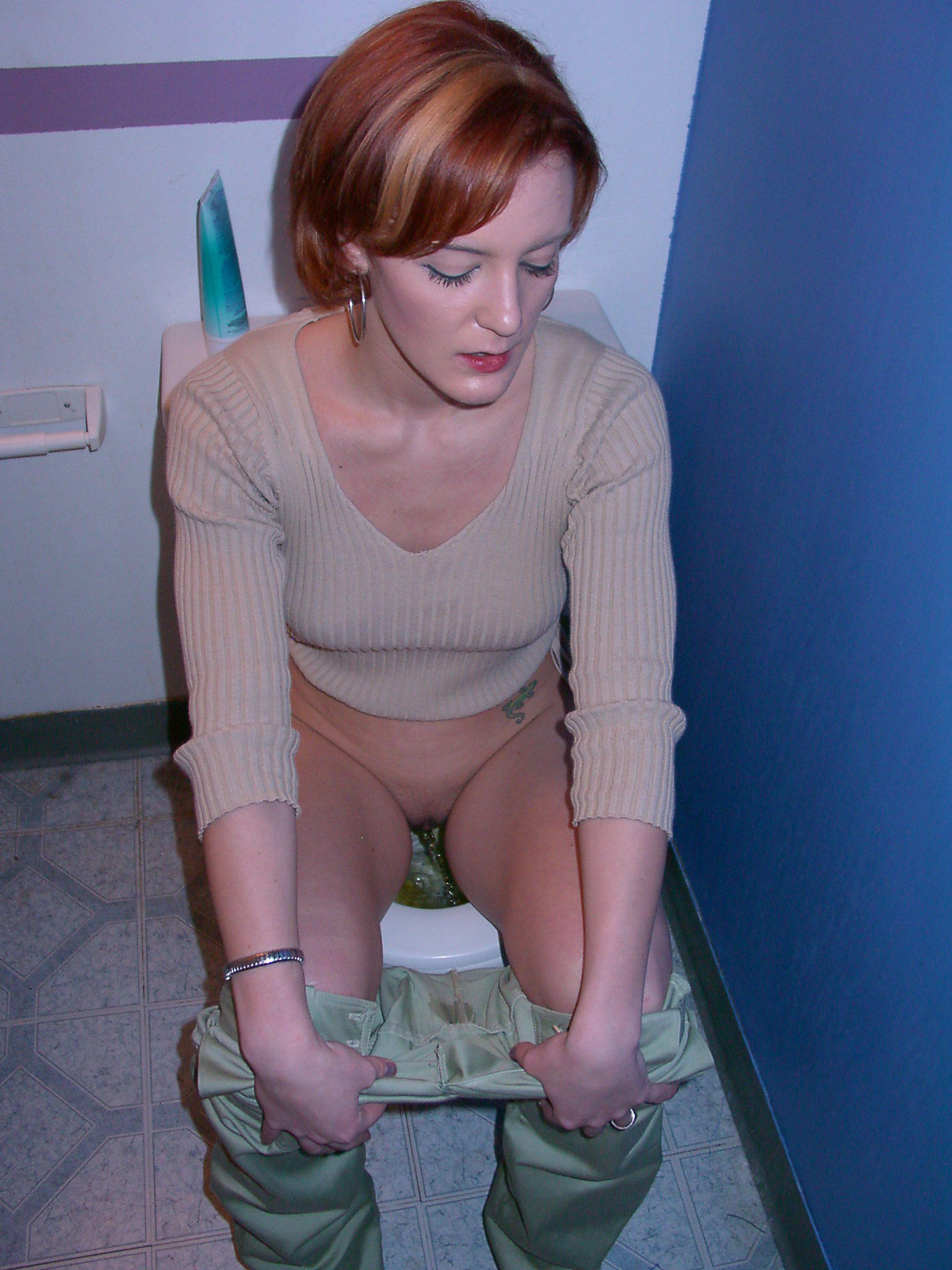 Wife caught in toilet and fucked by troc 1