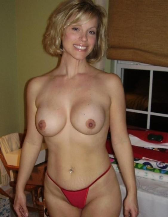 Short Hair Blonde Amateur