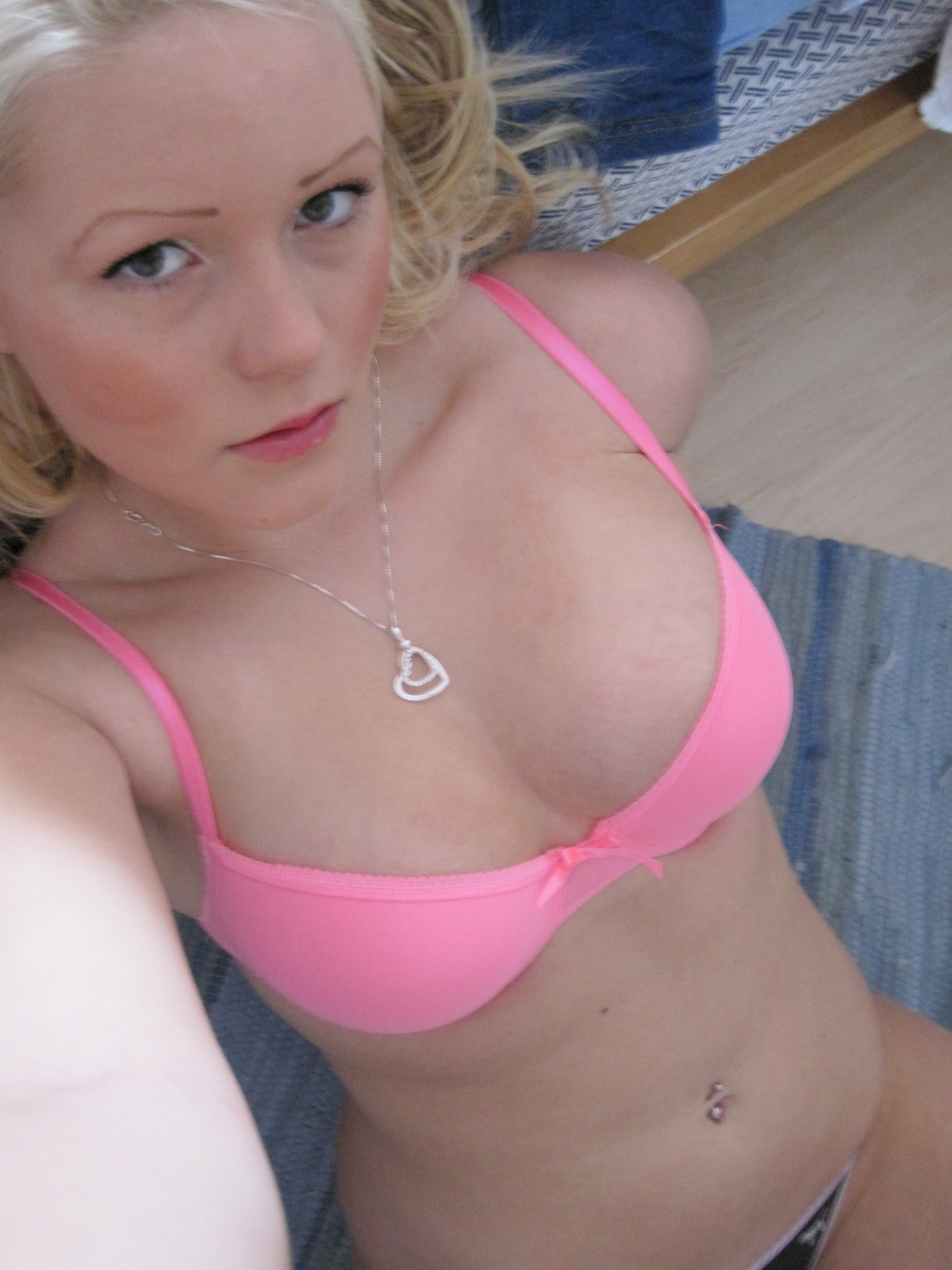 At home fat girl pussy pics