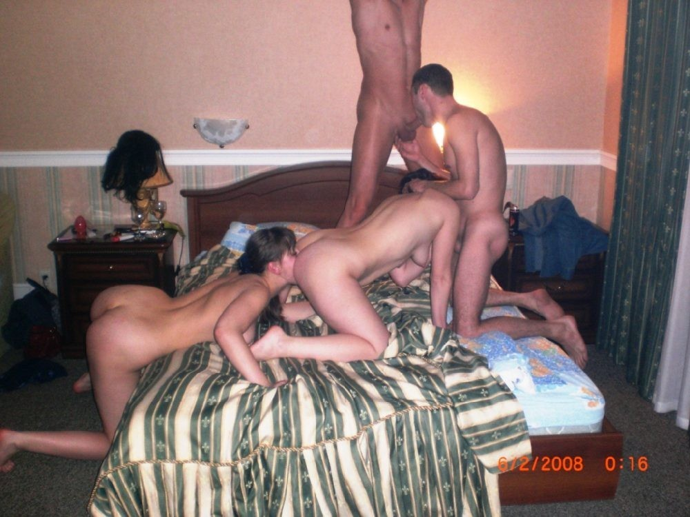 amateur bi couples sharing cock