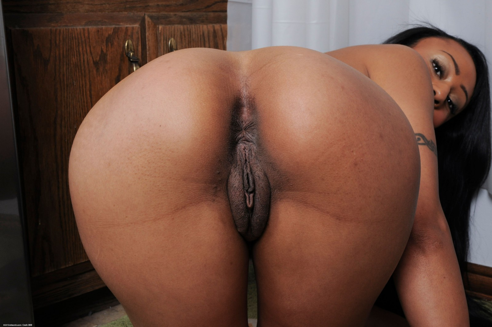 black matured fat wet pussy