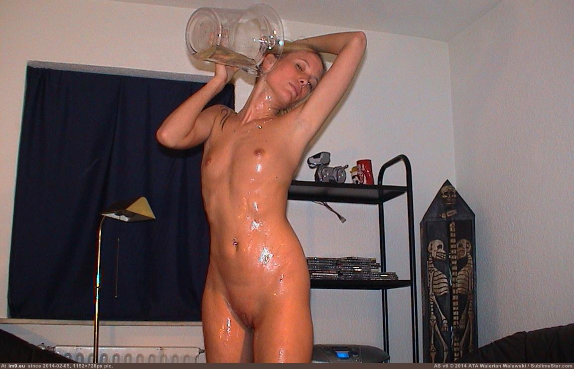 horny milfy playing