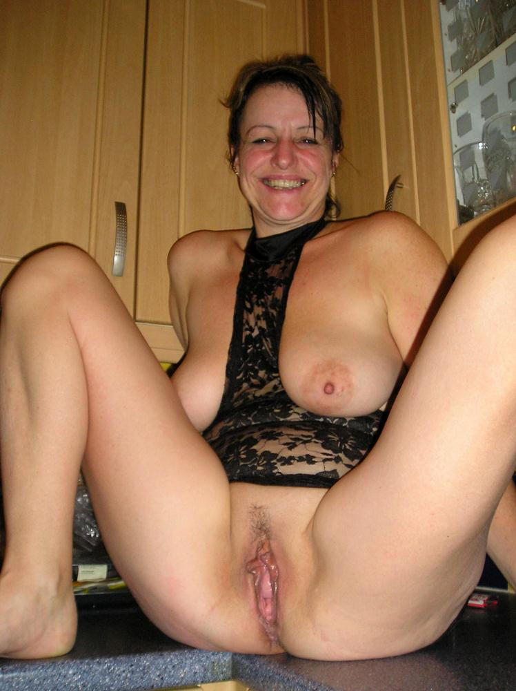 Pussy amateur mature mom