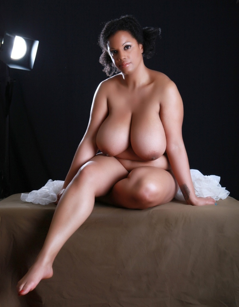 turns-naked-big-women-parn-pussy