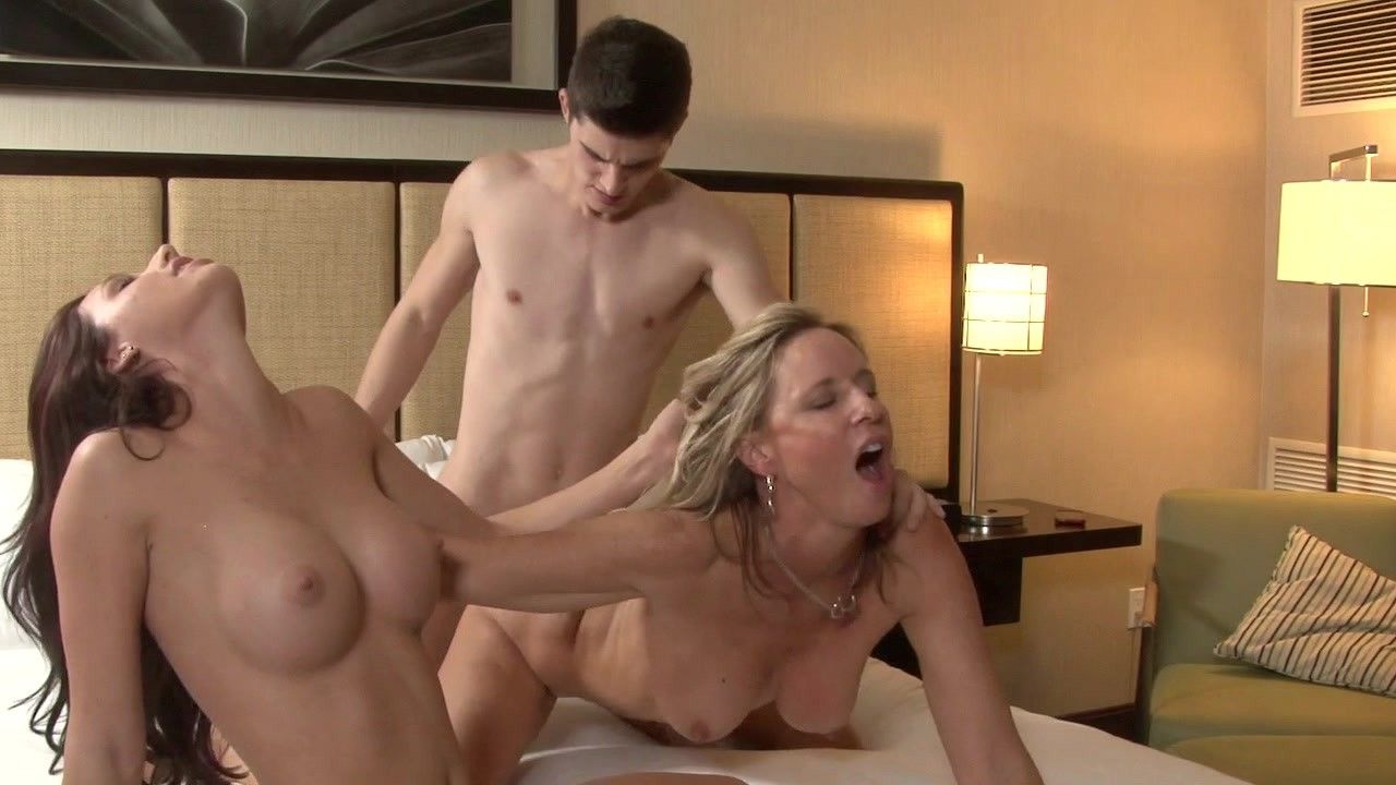 Bgg threesome videos