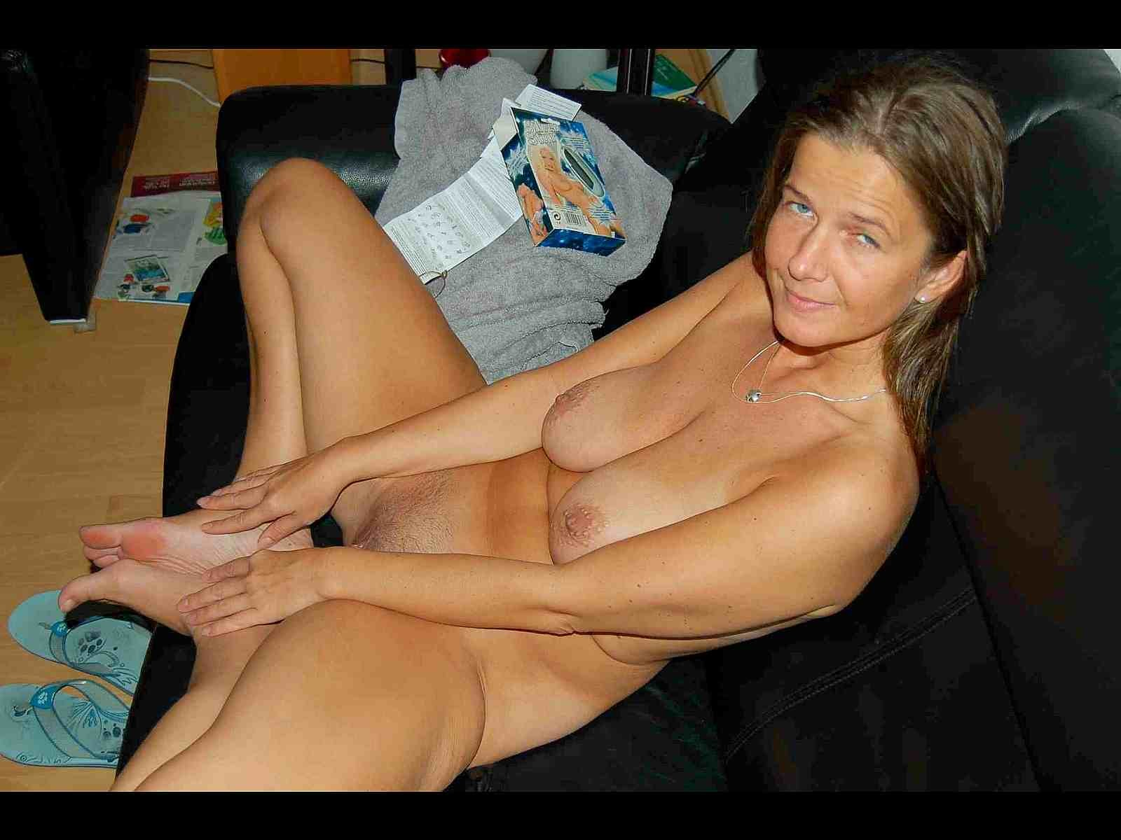 naked at mature home Amateur