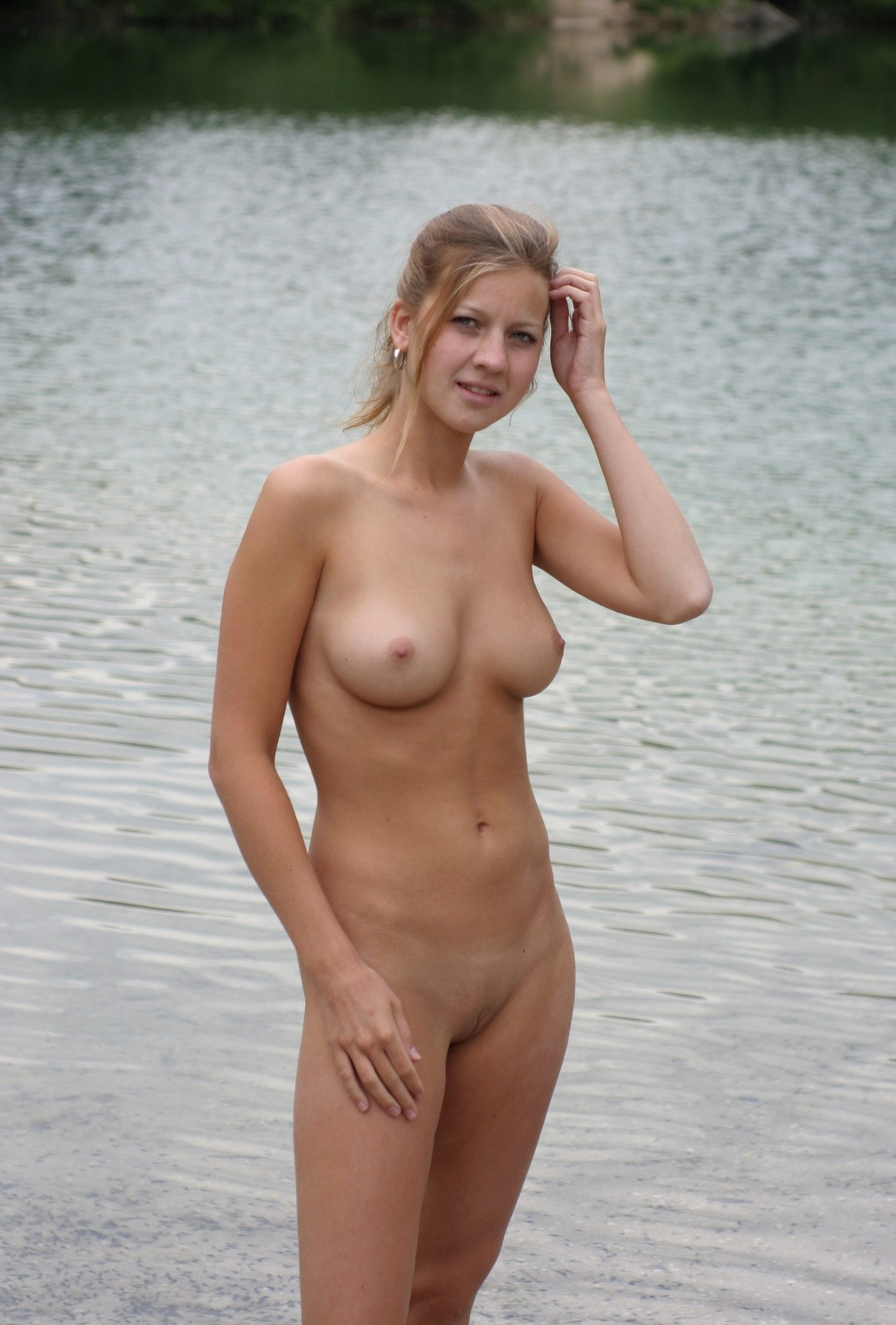 Naked girl pussy with sandals