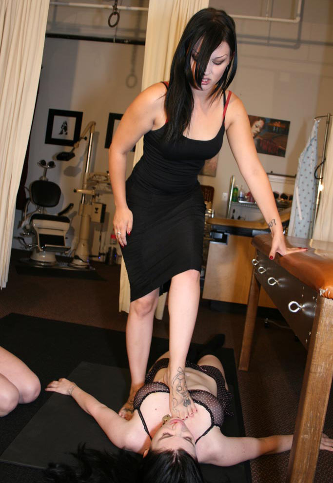 Lesbian Foot Worship After Gym