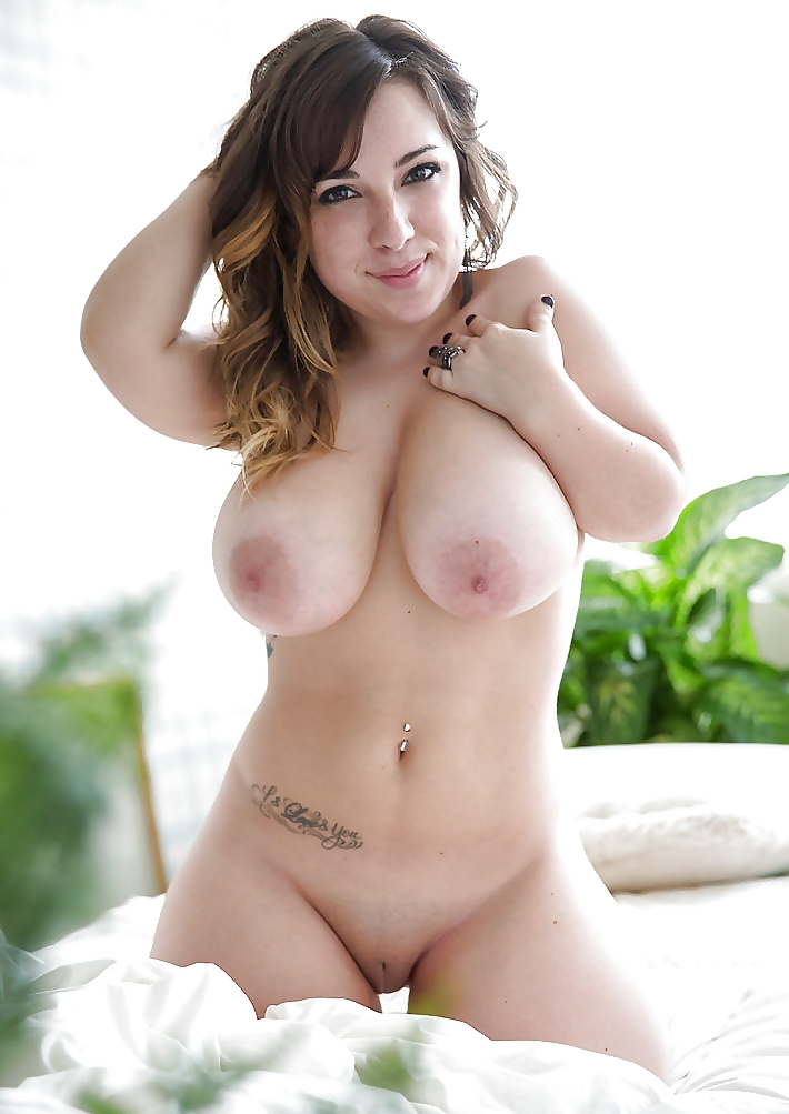 Babe mansion pics nude
