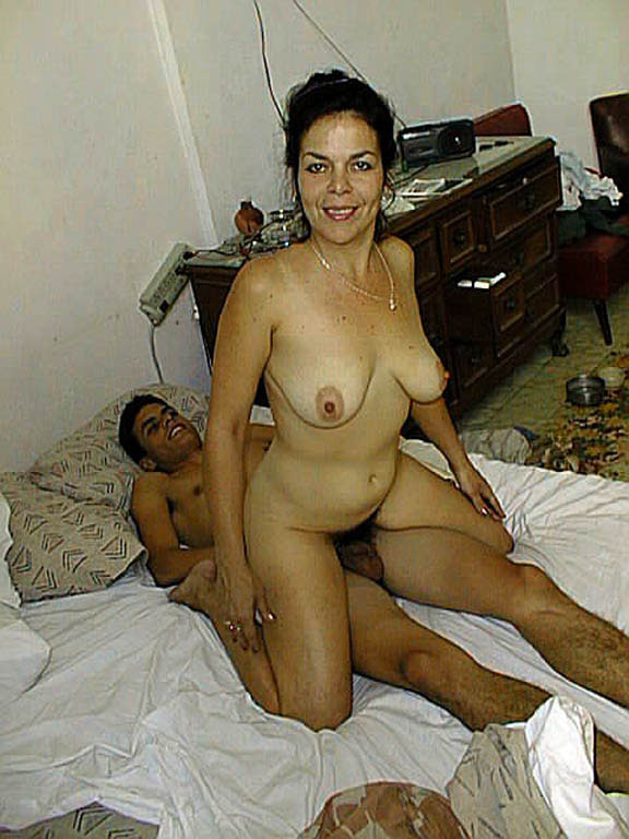 With Mom naked at home cause son boner gradually. And