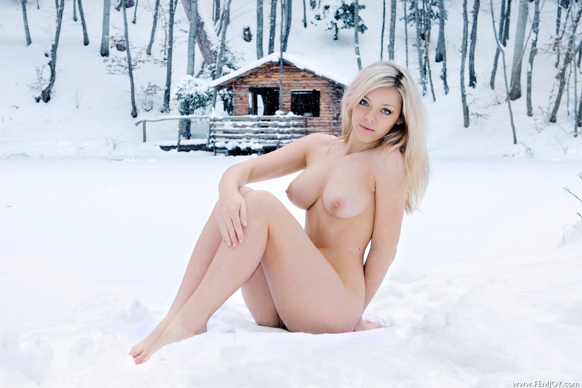 pics of naked girl on snowmobile