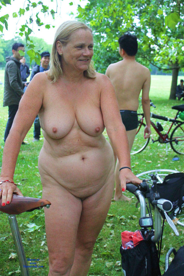 mature daring exhibitionist