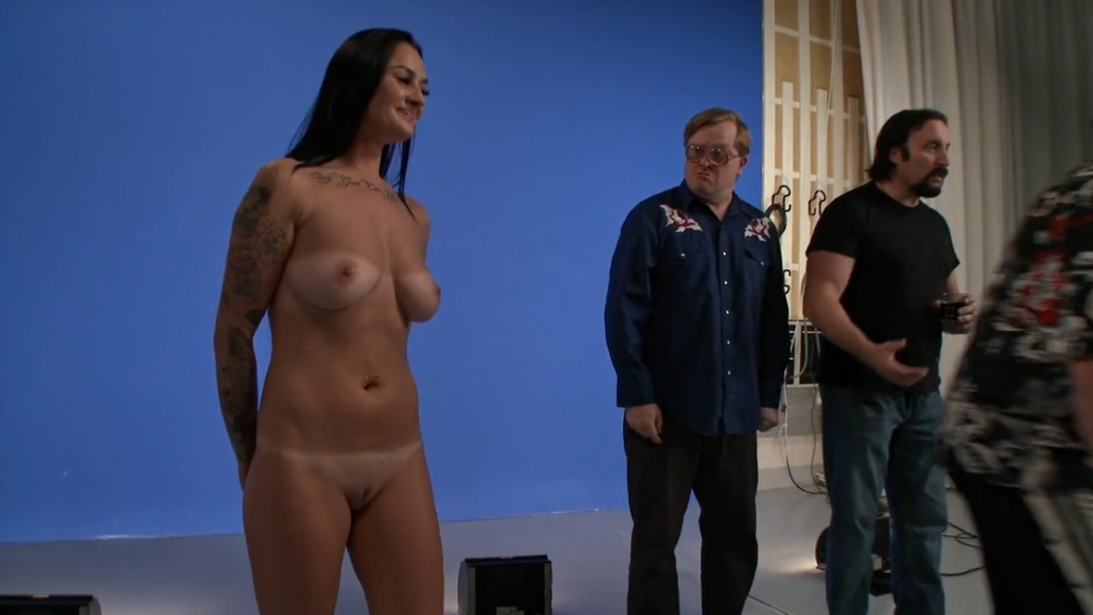 Bruce nude laine Who's hung
