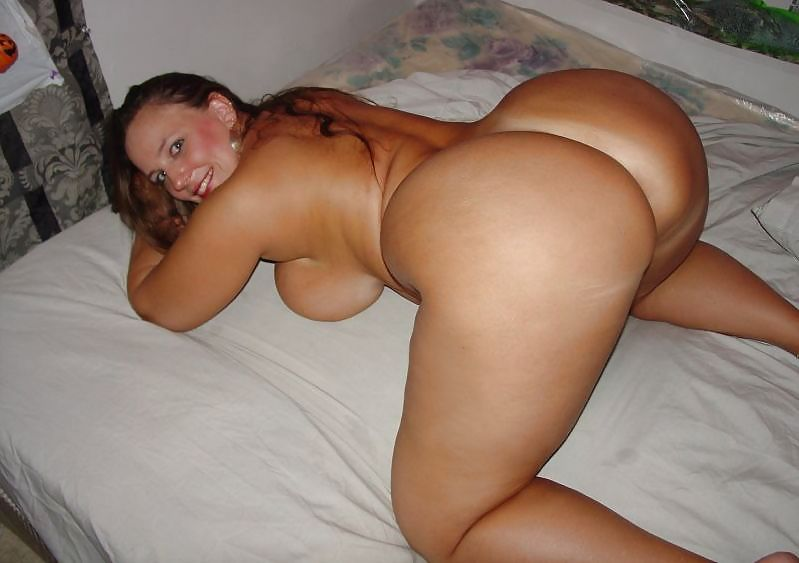 Big booty moms porn videos