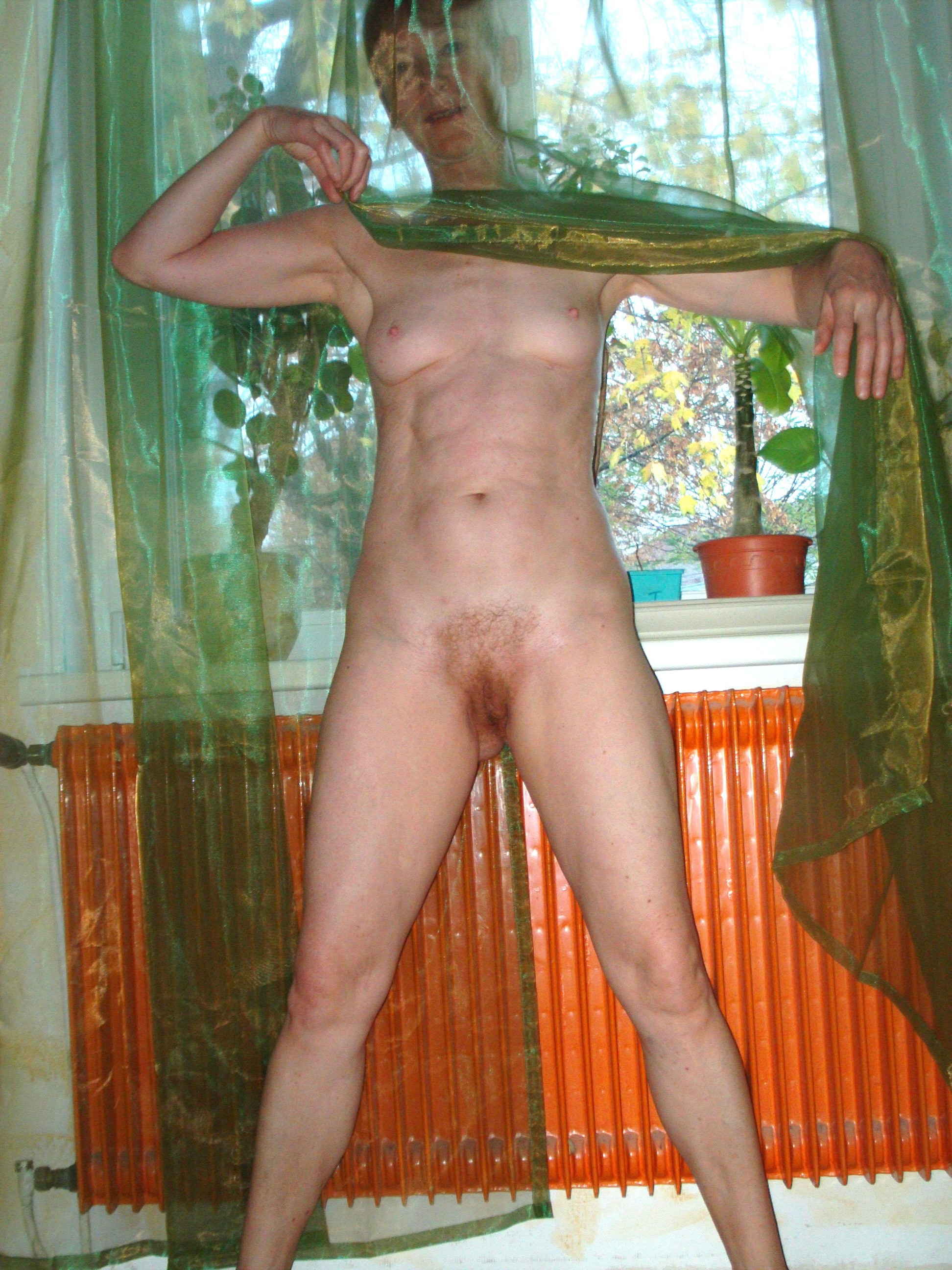 Mature full frontal naked
