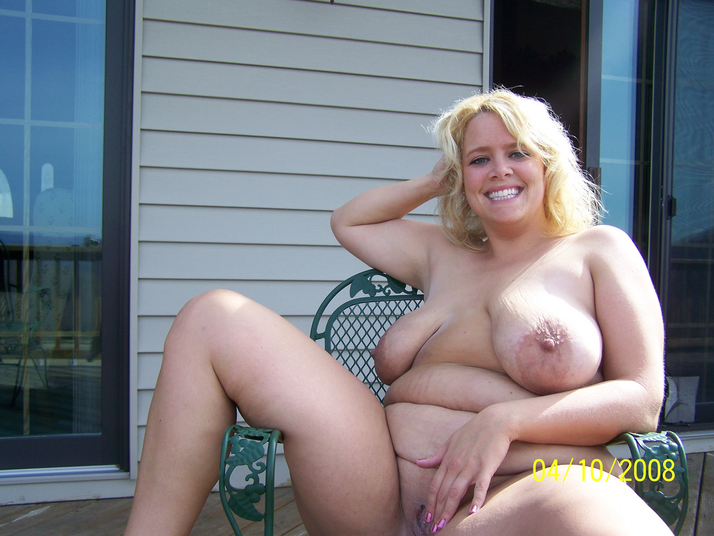 Mature curvy blonde naked — photo 15