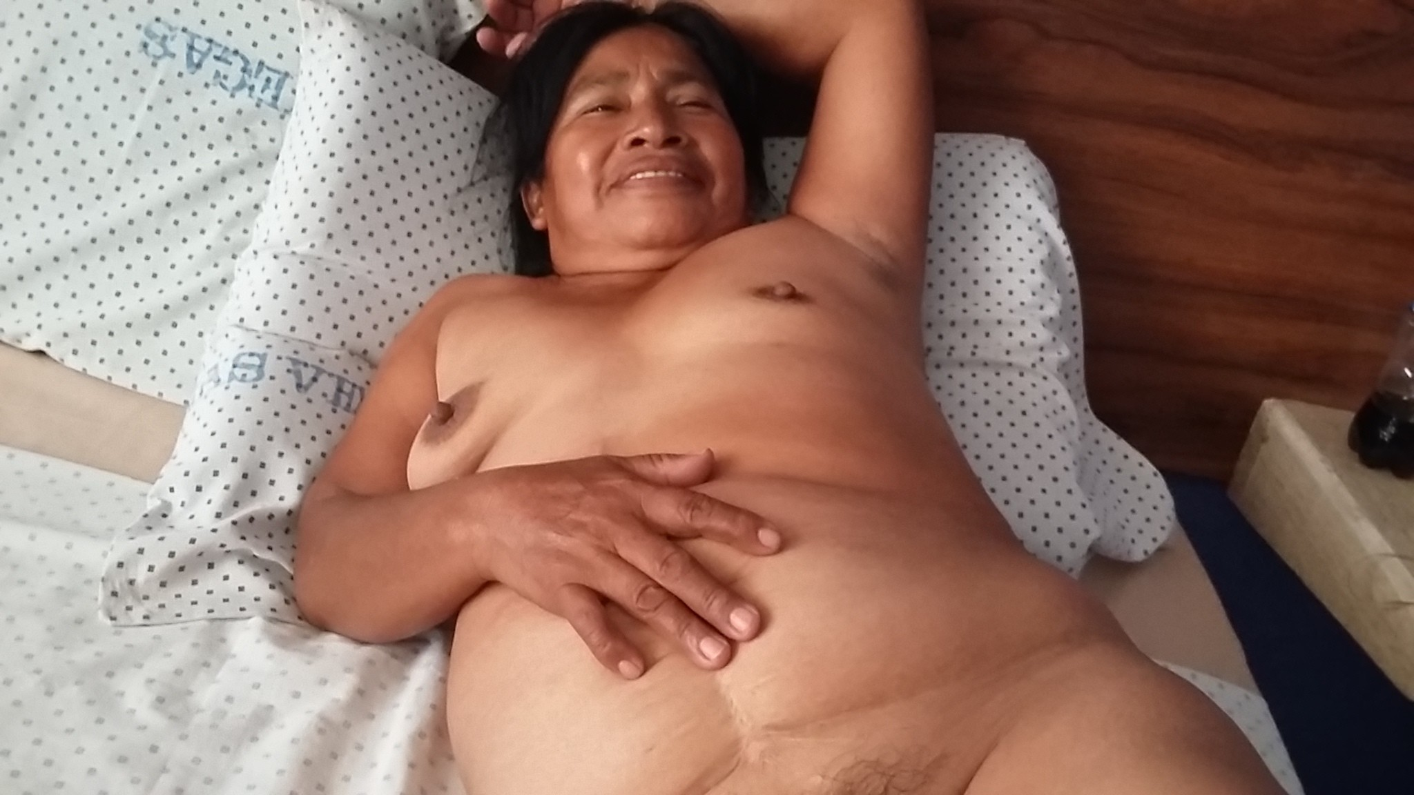 asian-granny-posing-nude-sexy-mature-thumbnails