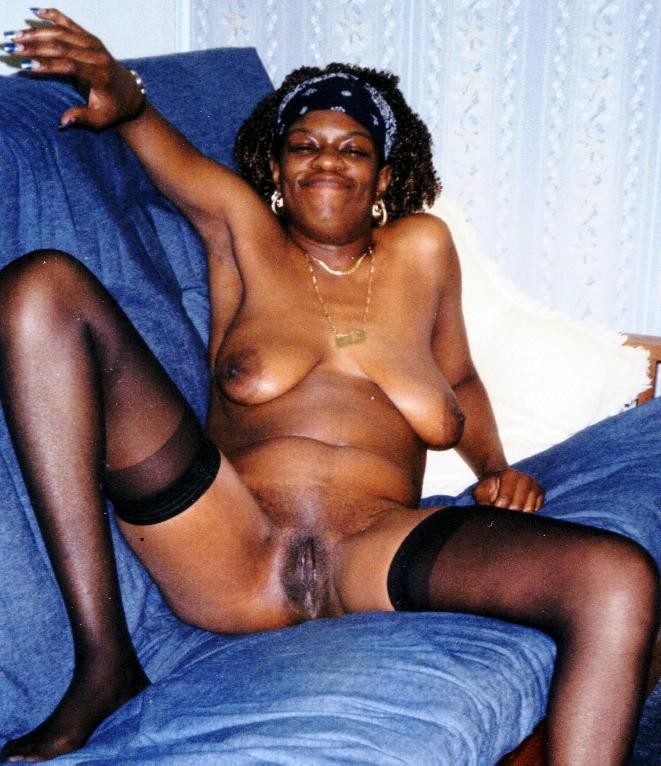 Amateur shared wife unknowingly for friend