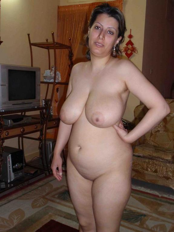 indian-middleaged-naked-moms