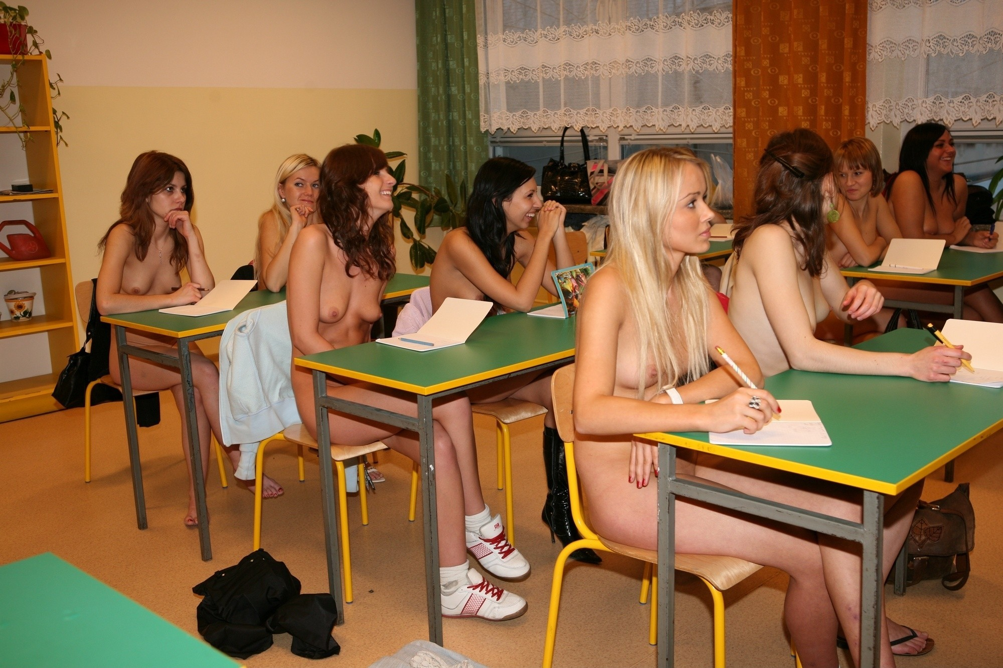 girls-pussy-teenagers-naked-in-school-patricks