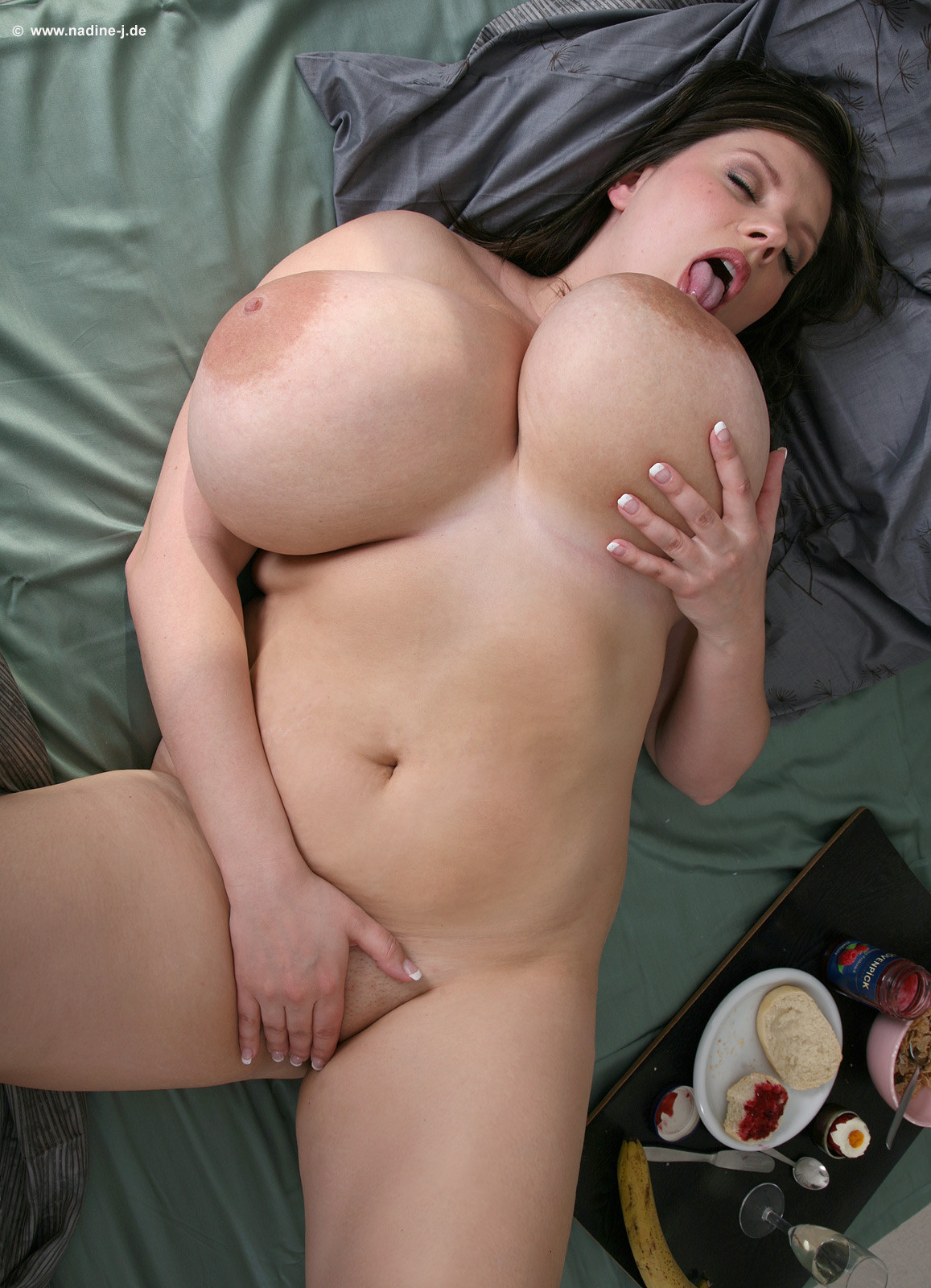 Naked black chubby lady