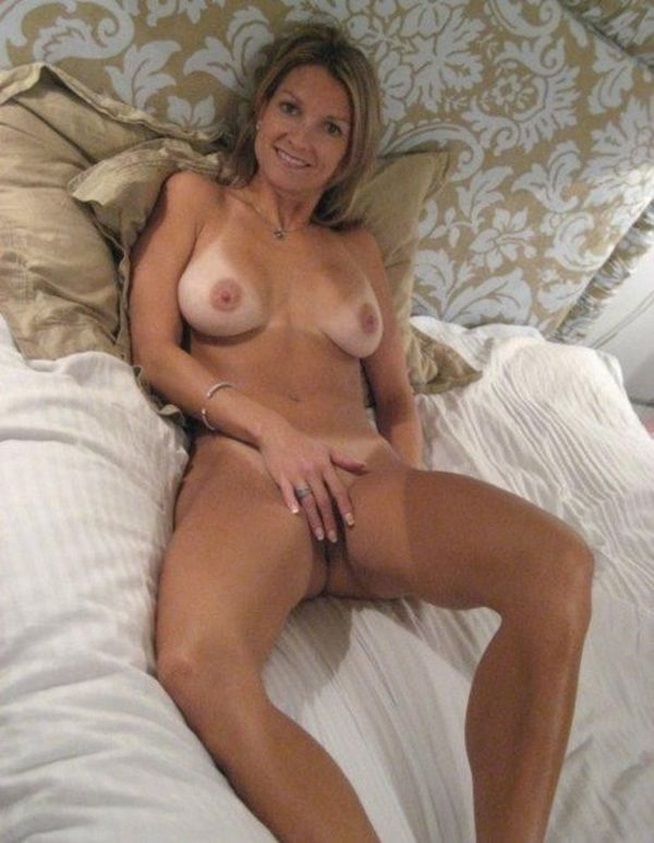 Mature milf blonde tumblr female naked seeker xxx