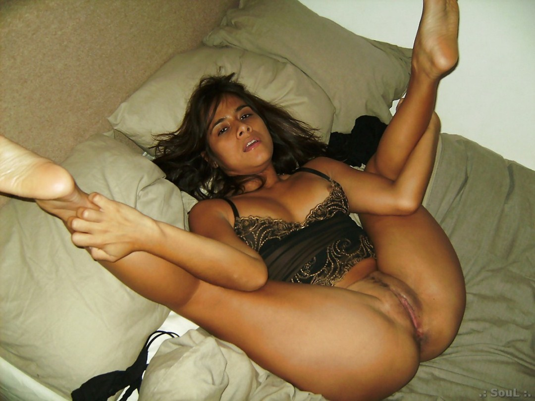 Latina naked pictures