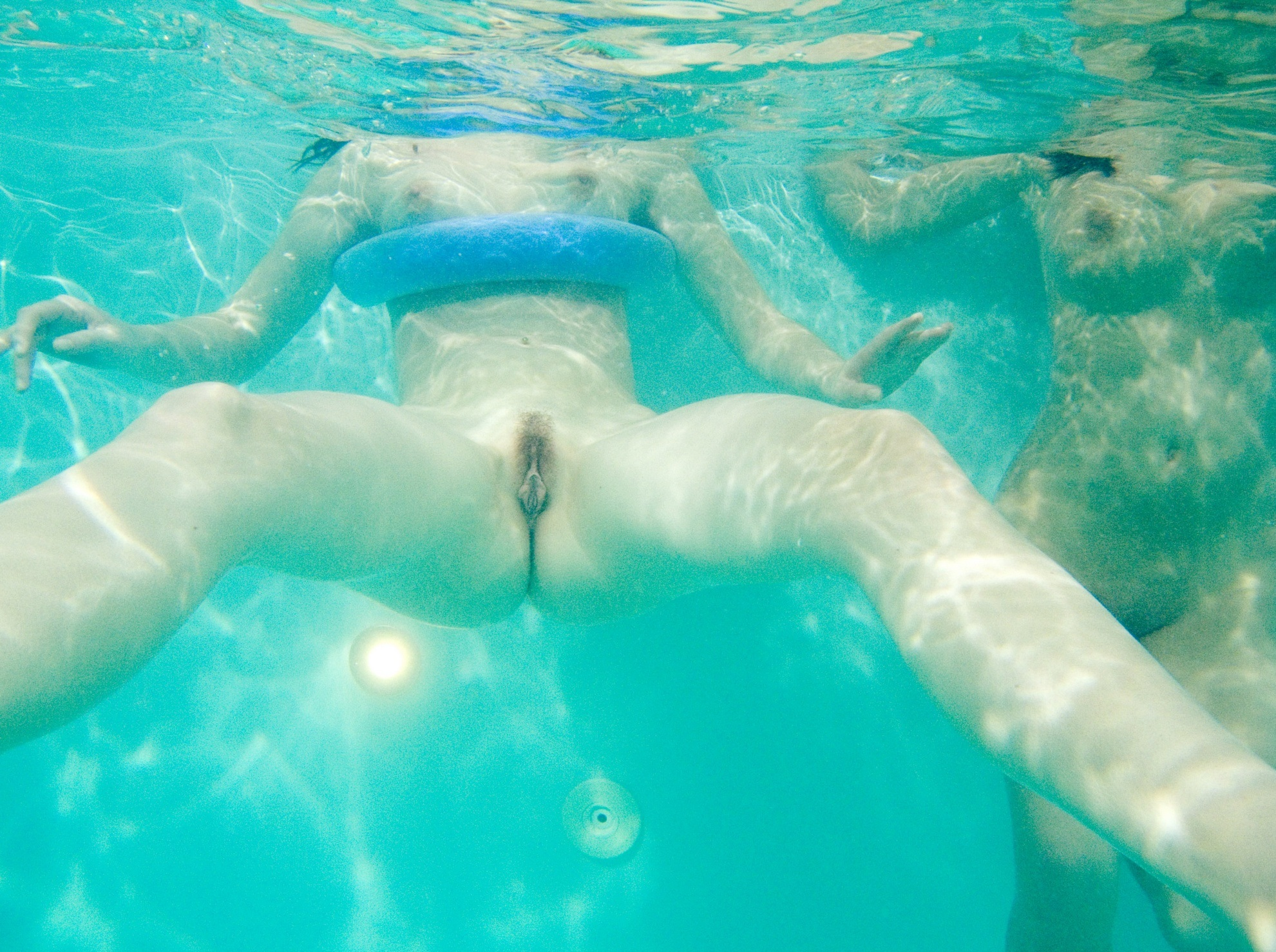 videos of nude women swimming