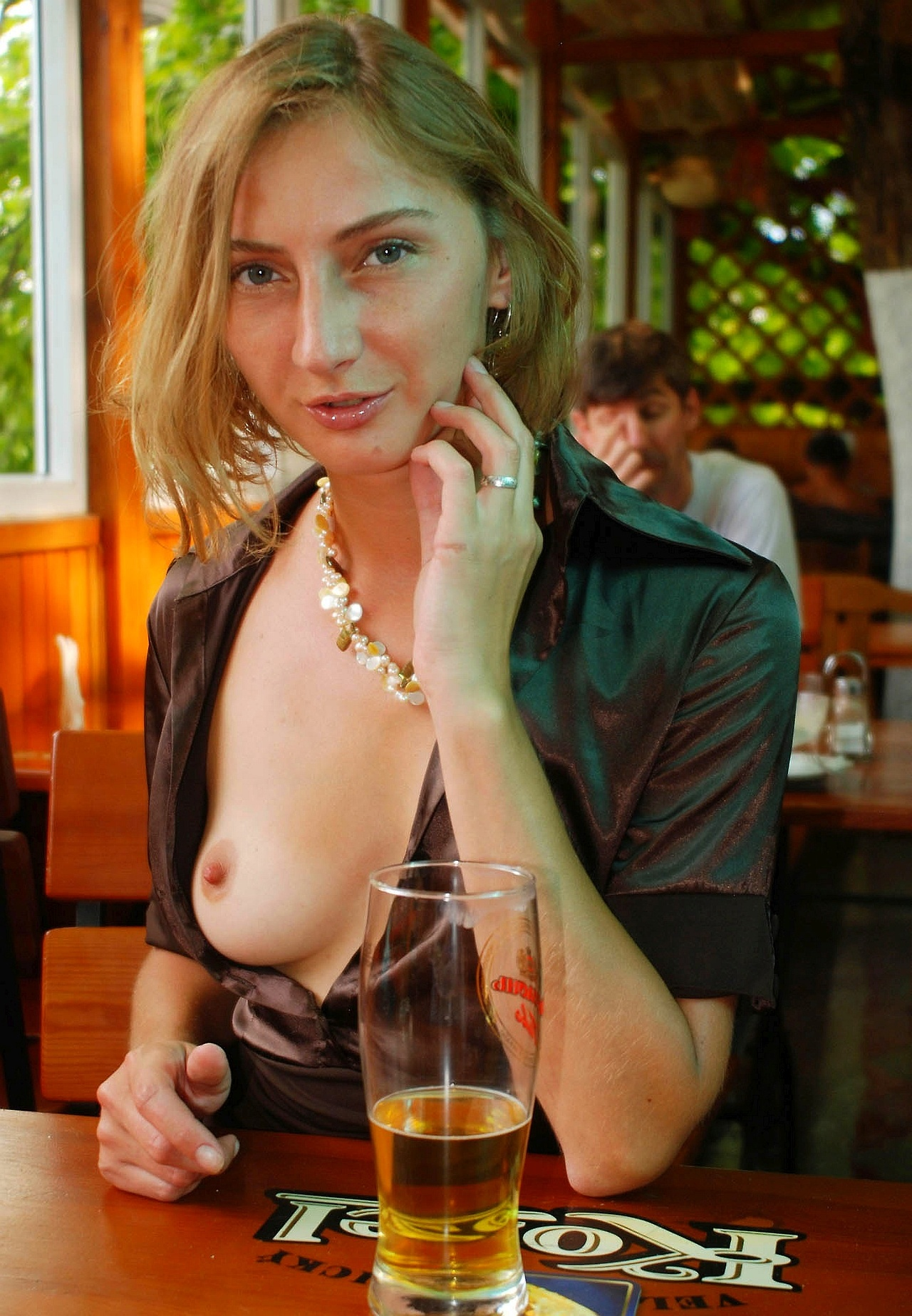 Fill blank? Girl naked at restraunt