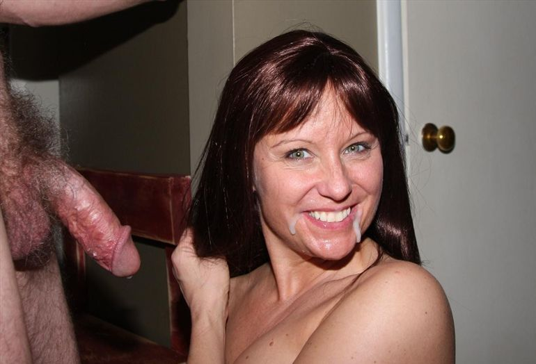 Middle Aged Model Blowjob Dick 1