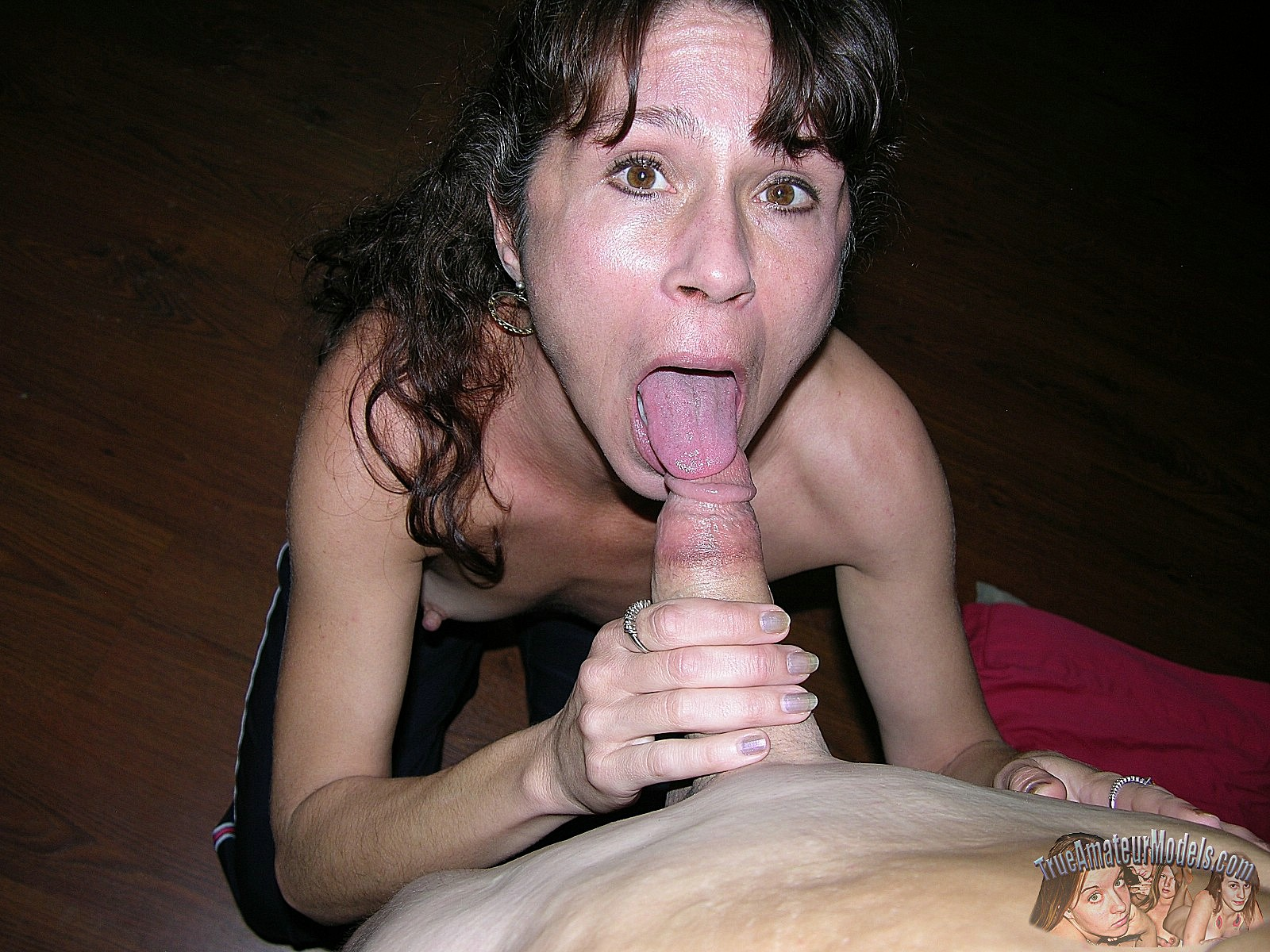Sloppy facial for this mature