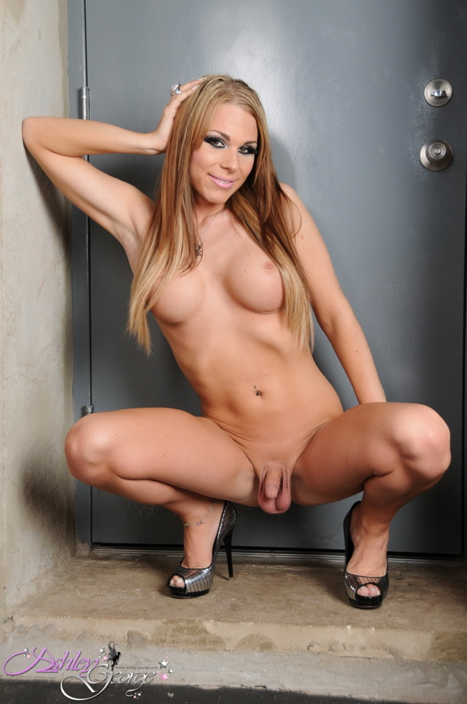She males nude and sexy