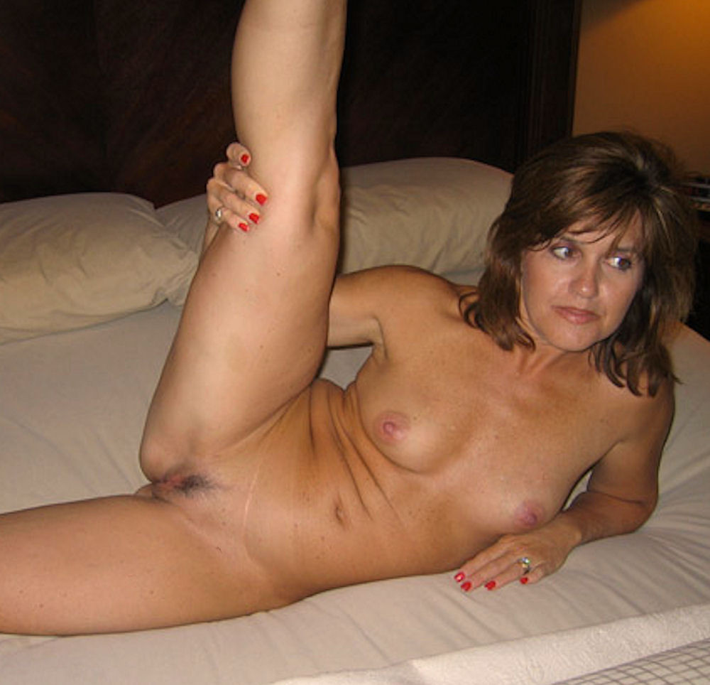 Pics Of Naked Housewives