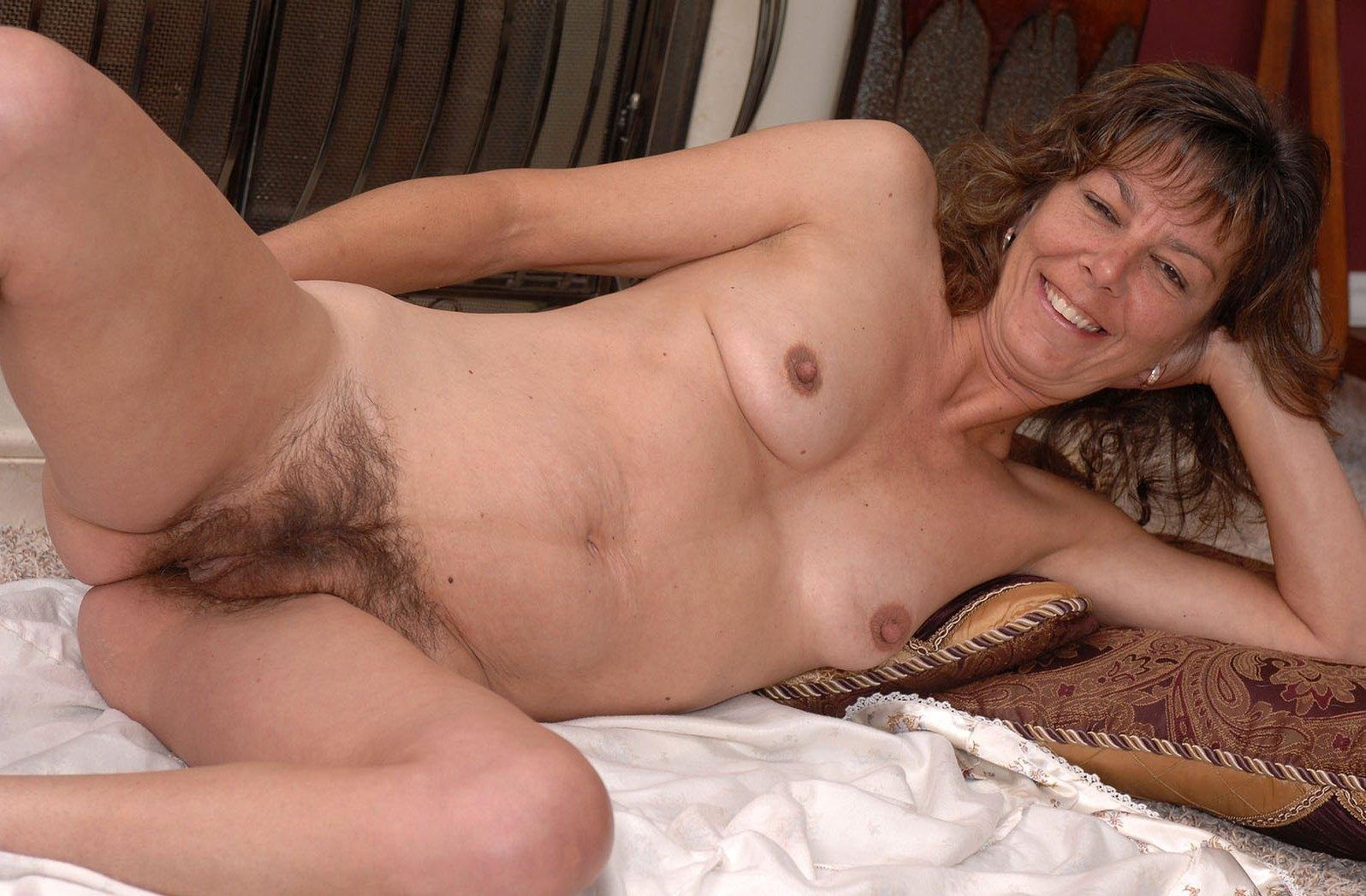 Son cum inside wife missionary position