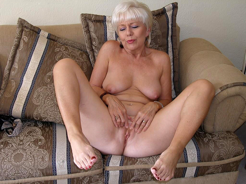Free Videos Of Naked Housewives