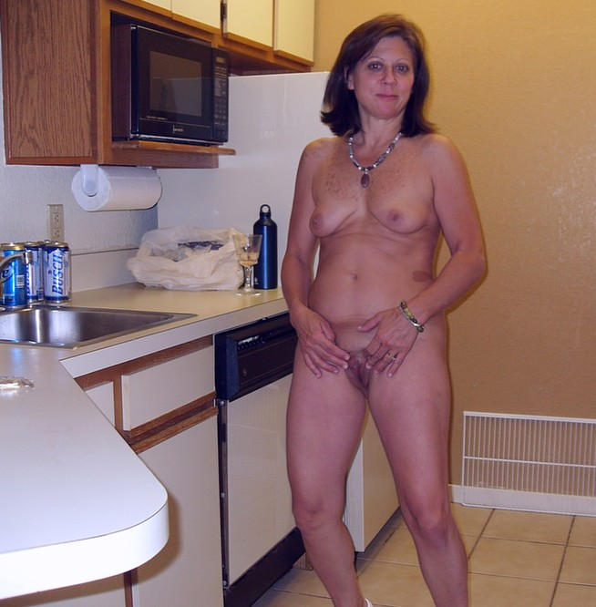 Housewifes naked