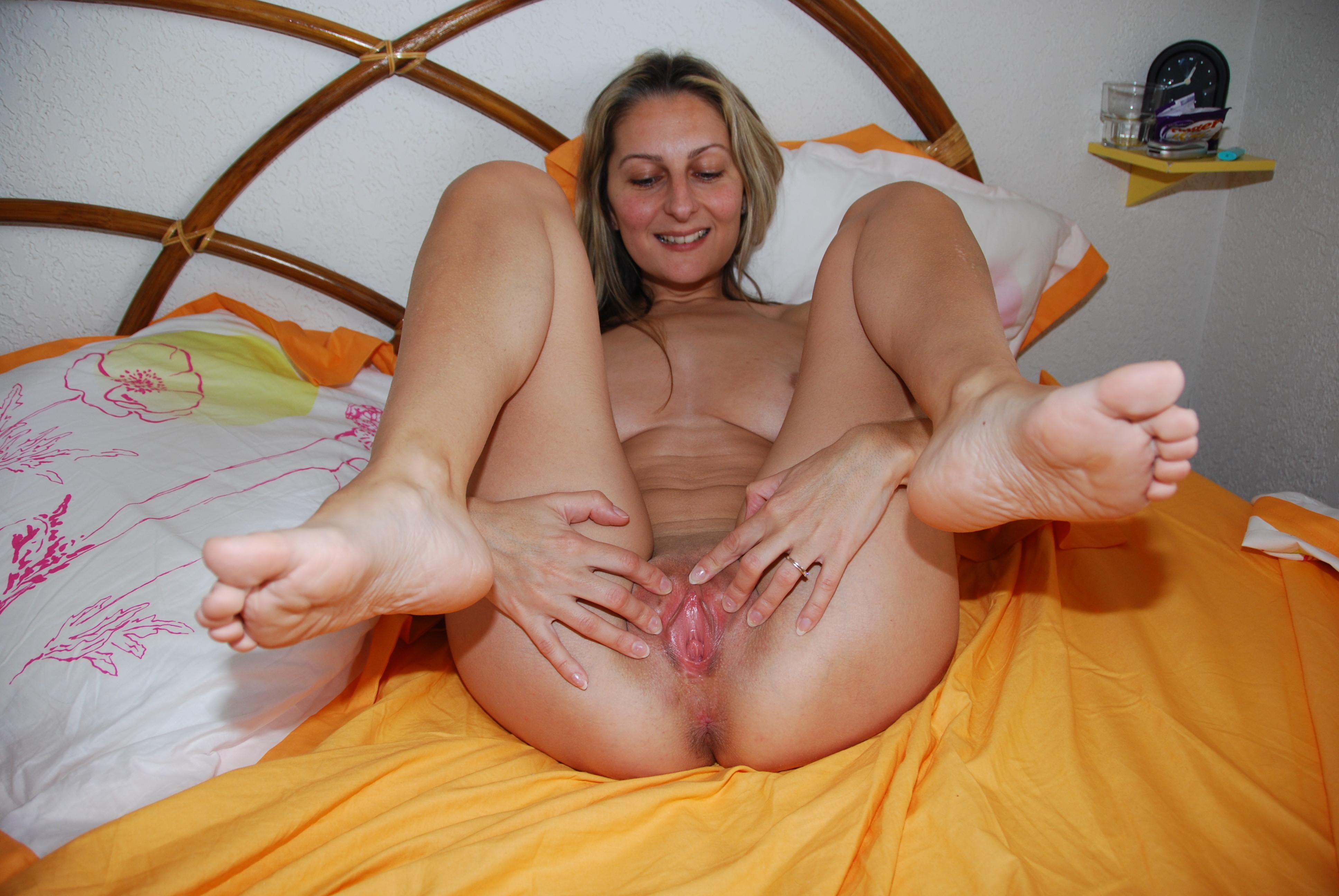 feet pussy I love the smell of feet and pussy 1