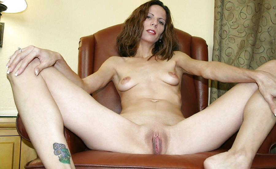 Mature skinny pussy videos 11