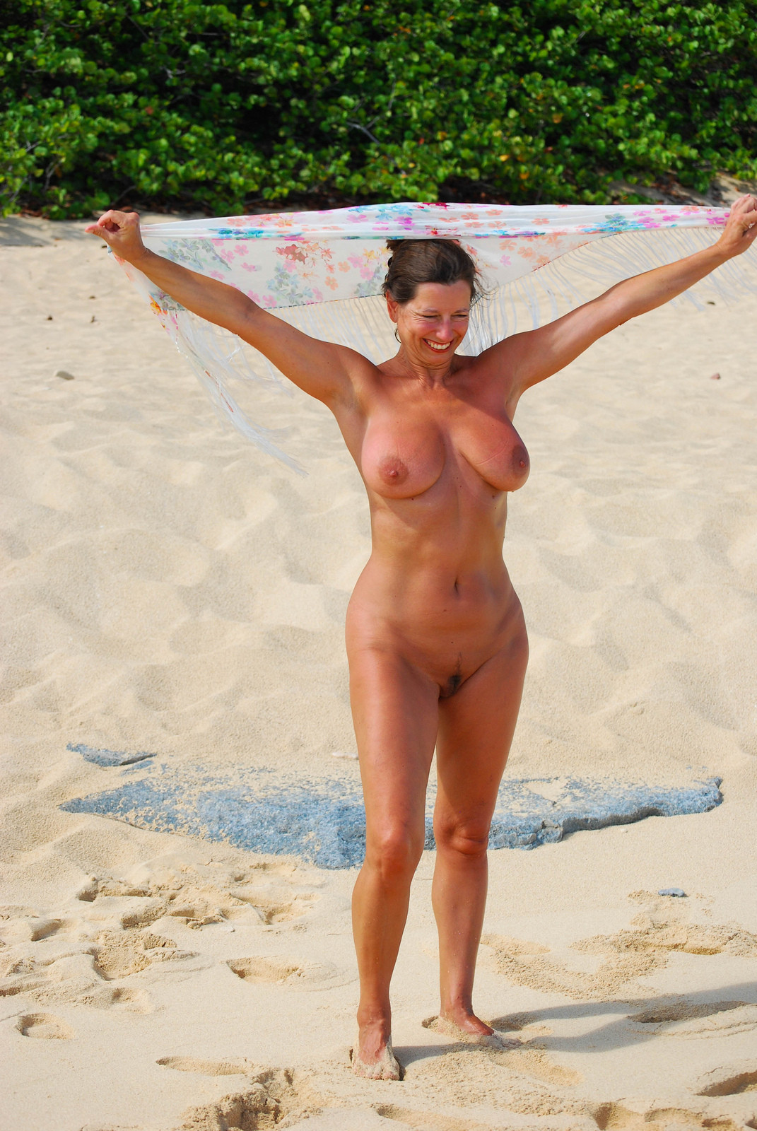 Lady. nudist beach wife 10:30