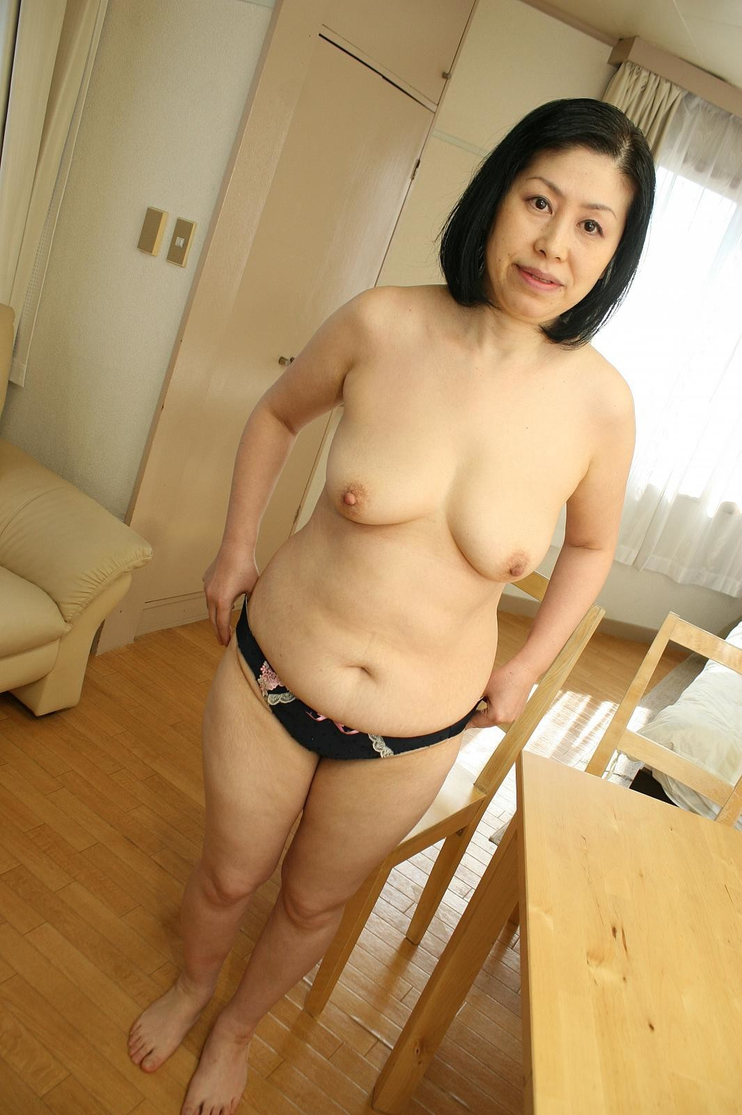aunti nude for young boy