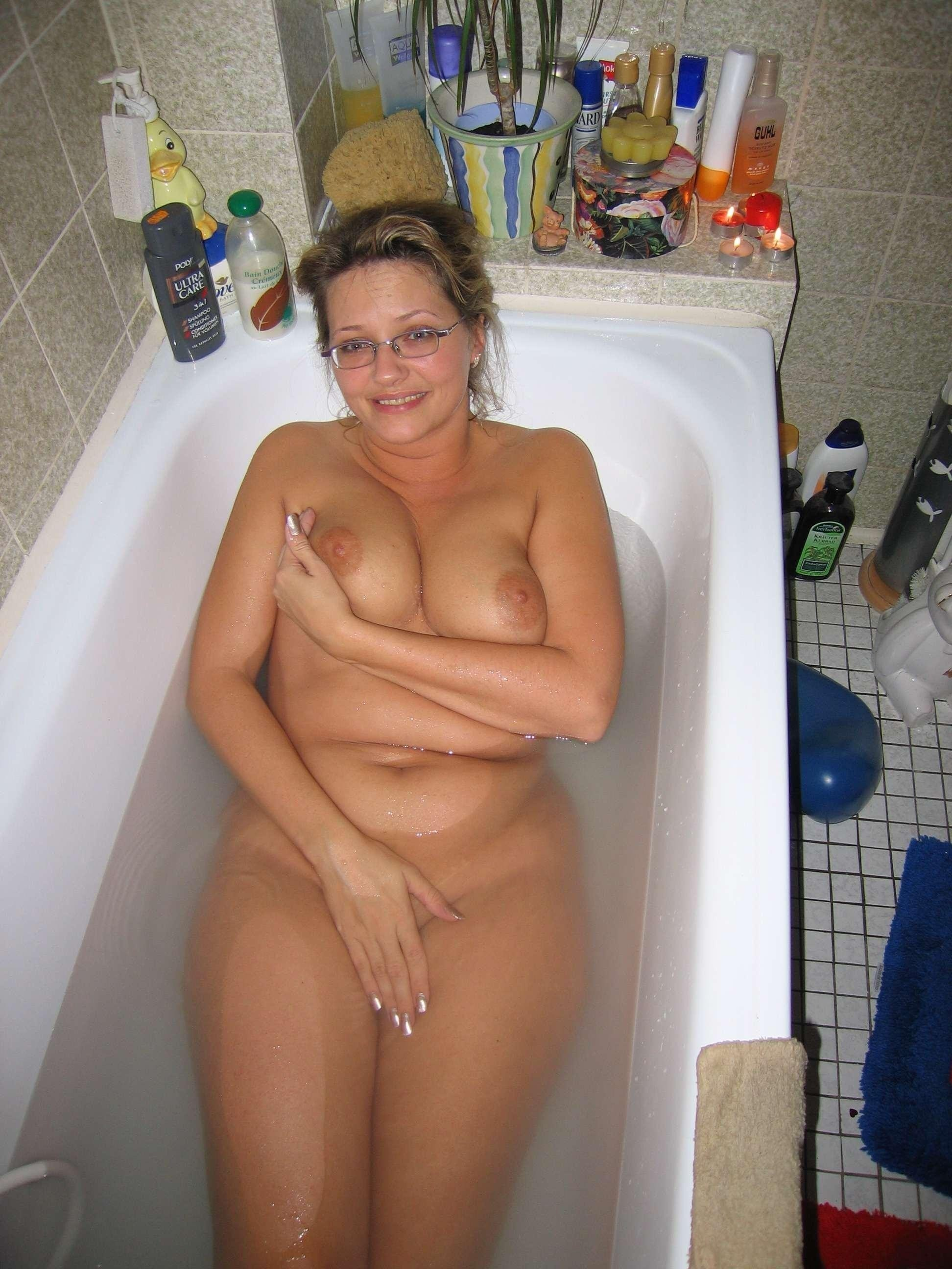Husband clicking pics of wife naked bathing very hot