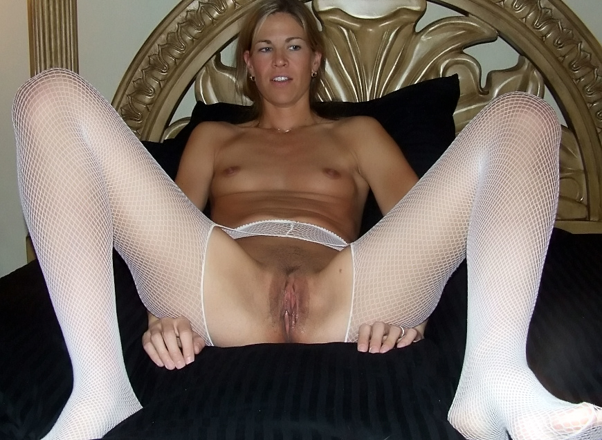 Mandingo balls deep in her ass