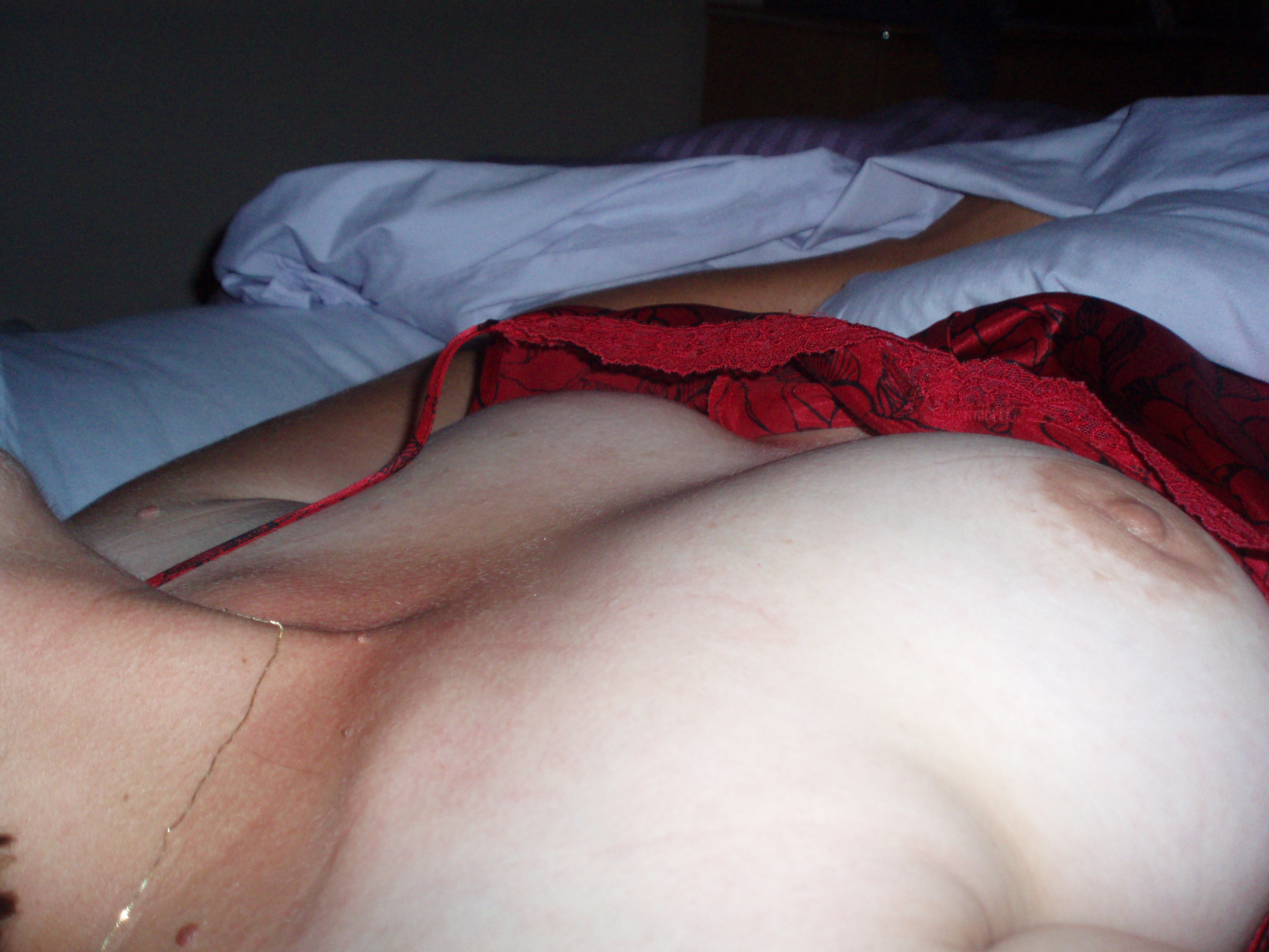 Mature candid wife naked