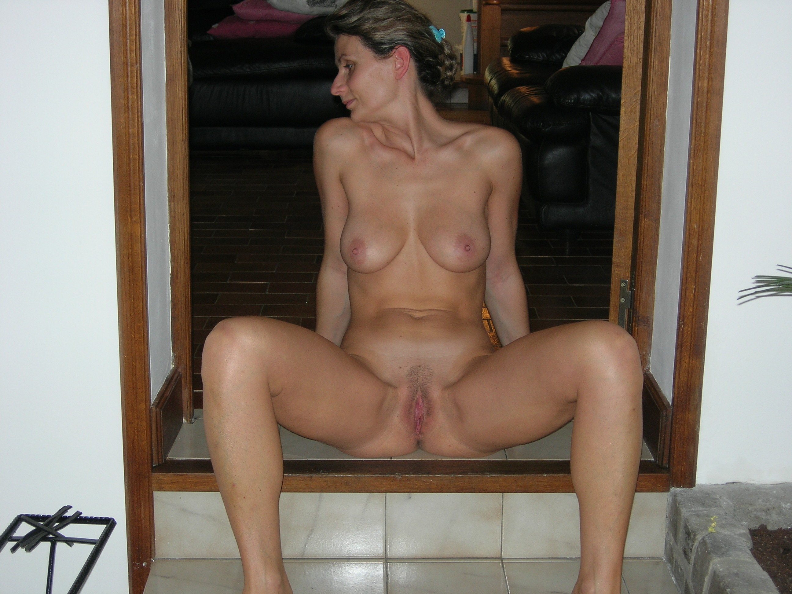 amateur french wife naked