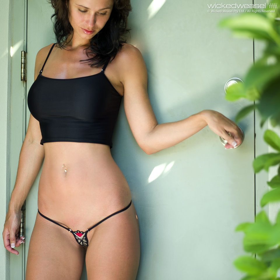 One wicked weasel kira can't