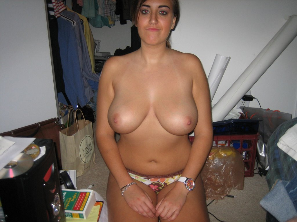 Real amatuer nude sex