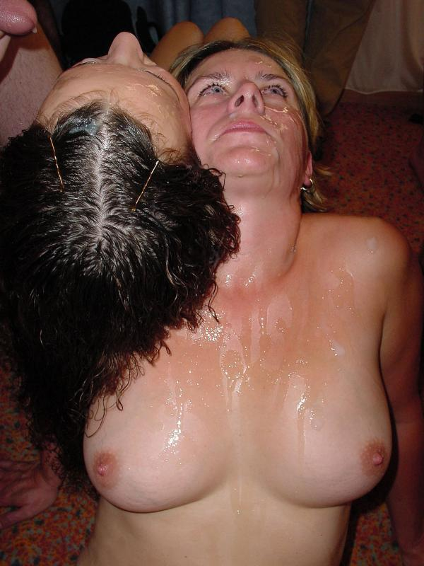 milf and daugther cumshot