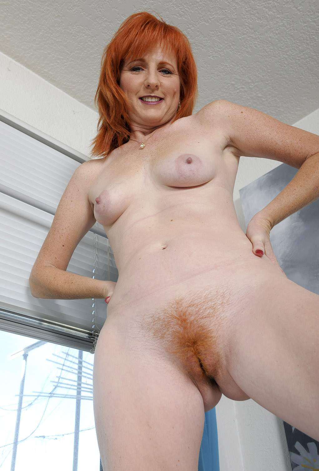 Women red hair pussy