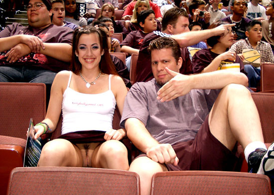 Charming message Girls accidentally exposed in public